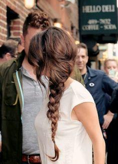 Selena Gomez best hair looks. Beautiful pictures of Selena Gomez hairstyles. Side Braid Hairstyles, My Hairstyle, Pretty Hairstyles, Wedding Hairstyles, Holiday Hairstyles, Popular Hairstyles, Hairstyle Ideas, Summer Hairstyles, Simple Hairstyles For Long Hair