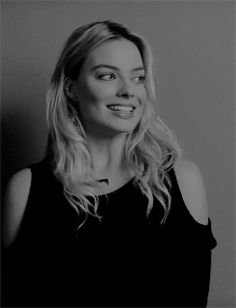 Margot Robbie Daily