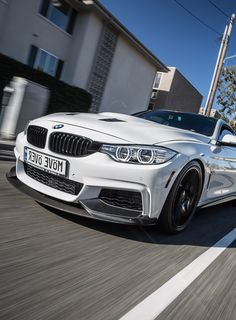 "Bmw M4: Number plate: ""Move Over"" mirrored"