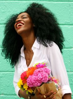 The gorgeous Asiyami Gold. African style blogger | big hair | natural hair…
