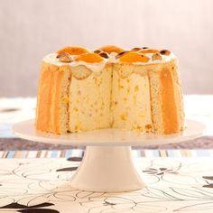 Rocher-Torte für Schokoladenliebhaber - Easy And Healthy Recipes Charlotte Dessert, Charlotte Au Fruit, Charlotte Cake, Sweet Recipes, Cake Recipes, Dessert Recipes, Bavarois Recipe, Rocher Torte, Cheese Dreams