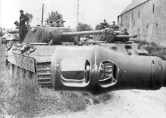 Panther medium tanks of the 130th regiment of the Wehrmacht Panzer Lehr Division