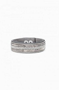 Carter Bracelet from Stella & Dot, coming soon!  Hand beaded silver tones mixed with delicate chain form a chevron pattern backed by suede.