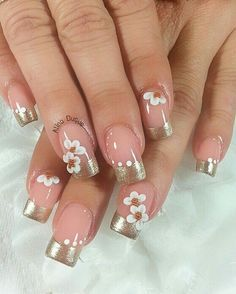 Graceful spring nail art design with white flowers Flower Nail Designs, Cute Nail Designs, Spring Nail Art, Spring Nails, Perfect Nails, Gorgeous Nails, Fabulous Nails, Trendy Nails, Cute Nails