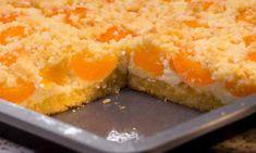 Der schnelle Quark-Streusel-Kuchen ist einfach gebacken: Boden und Streusel bestehen aus dem gleichen Teig, was Zeit spart. Das Video zeigt, wie es geht.