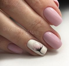 The advantage of the gel is that it allows you to enjoy your French manicure for a long time. There are four different ways to make a French manicure on gel nails. Stylish Nails, Trendy Nails, Cute Nails, Acrylic Nail Designs, Nail Art Designs, Short Nail Designs, Nail Designs Spring, Nails Design, Acrylic Nails