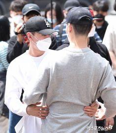 Btob Ilhoon, Chef Jackets, Baseball Hats, Korean, Kpop, Sung Jae, Fashion, Moda, Baseball Caps