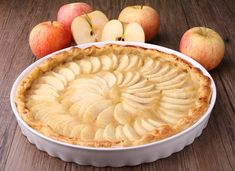 Sweet & Tart Apple Pie Tart We love reinventing our favorite dishes in a way that's both healthy and delicious, and this pie/tart is no exception! Open Face Apple Pie Recipe, Apple Tart Recipe, Apple Pie Recipes, Apple Desserts, Tart Recipes, Dessert Recipes, Cooking Recipes, Orange Recipes, Healthy Recipes