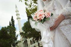 """Hochzeitsbräuche in aller Welt - so sagen andere Länder """"JA"""", Foto: CanStockPhoto/grafikeray"""
