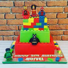 Lego superheroes #lego #superheroes #legosuperheroes #hulk #ironman #batman #spiderman #wonderwoman #marvel #themedcakes #childrenscakes #tastybakes #familycakes