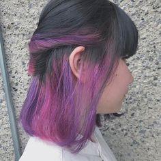 WEBSTA @ minori417 - インナーカラー◎◎ピンクとかパープルとか(⌒▽⌒)!#ヘアカラー#ブリーチ#ポイントカラー#デザインカラー#インナーカラー#マニパニ#カラフル#ピンク#紫#ボブ#個性的#ファッション#haircolor#bleach#manicpanic#colorful#fashion#kawaii#purple#pink#bob#fashion
