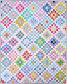 Many Trips Around the World Quilt   A Finished Quilt © Red Pepper Quilts 2017