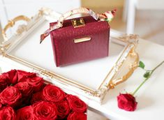 Best Valentine's Day Gifts, Hermes Kelly, Valentine Day Gifts, Gift Wrapping, Bags, Gift Wrapping Paper, Handbags, Wrapping Gifts, Hermes Kelly Bag