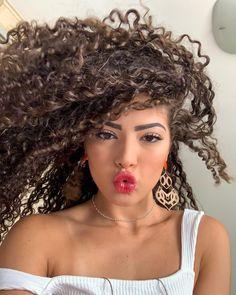 Long Curly Hair, Curly Girl, Hair Affair, New Hair Colors, Curled Hairstyles, Textured Hair, Hair Hacks, Hair Goals, Curls