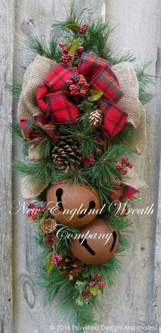 Christmas Wreath Christmas Swag Holiday Door by NewEnglandWreath Christmas Swags, Woodland Christmas, Outdoor Christmas, Rustic Christmas, Christmas Holidays, Christmas Lodge, Silver Christmas, Primitive Christmas, Christmas Projects