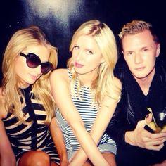 #Brothers Hilton Family, Round Sunglasses, Sunglasses Women, Fashion, Moda, Fashion Styles, Fasion