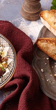 Salat einmal anders? Probieren Sie einfach unser köstliches REWE Rezept für Rote Bete Salat mit Feta und Walnüssen und überraschen Sie Ihre Geschmacksnerven. »   https://www.rewe.de/rezepte/rote-bete-salat-feta-walnuessen/