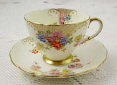 Šálek na čaj * bílý porcelán ručně malovaný něžnými sedmikráskami, zdobený zlatem ♥