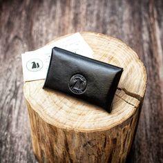 Визитница ✔✔✔ В НАЛИЧИИ ✔✔✔  Итальянская кожа премиум класса. Стильная вещь на долгие годы, которая подчеркнет вашу индивидуальность.    #визиницаизкожи#ArtemFoxLeather#ручнаяработа#handmade#leather#классныештуки#Russia#итальянскаякожа#