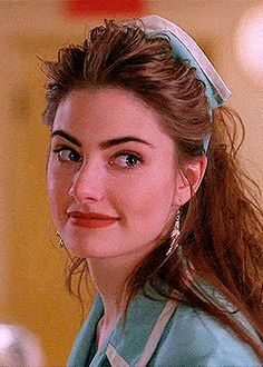 Mädchen Amick as Shelley Johnson Aesthetic Vintage, Aesthetic Girl, Girl Photo Poses, Girl Photos, Pretty People, Beautiful People, Madchen Amick, Twin Peaks, Classic Beauty