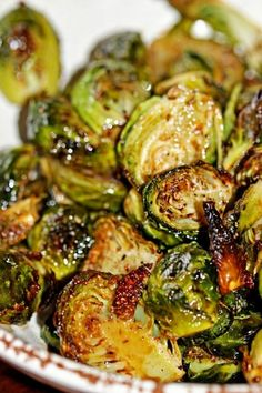 Healthy vegetable recipes Roasted Brussels Sprouts with Balsamic Vinegar & Honey lbs brussels sprouts, halved 3 tbsp olive oil ¾ tsp kosher salt ½ tsp ground black pepper 2 tbsp balsamic vinegar 2 tsp honey Vegetarian Recipes, Cooking Recipes, Healthy Recipes, Beef Recipes, Tasty Vegetable Recipes, Vegetable Snacks, Vegetarian Grilling, Healthy Grilling, Honey Recipes