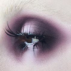 """Halo eye using Plum Eye Contour Quad + """"White-Out"""" Lock-It Concealer + chopped up lashes Goth Makeup, Grunge Makeup, Eye Makeup Art, Dark Makeup, Makeup Inspo, Makeup Inspiration, Beauty Makeup, Eye Art, Emperor's New Groove"""