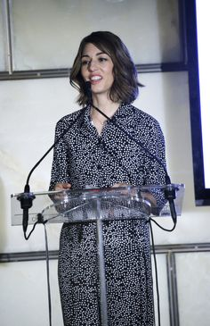 Sofia Coppola Photos - Filmmaker Sofia Coppola speaks onstage during The Daily Front Row's Third Annual Fashion Media Awards at the Park Hyatt New York on September 2015 in New York City. - The Daily Front Row Third Annual Fashion Media Awards - Show Sofia Coppola Style, Daily Front Row, Iconic Characters, Ss 15, Fashion Lookbook, Style Icons, Awards, Third, Lady