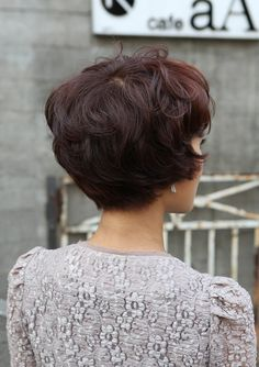 back+view+of+Cute+Short+Haircuts+for+Women | ... cute hairstyle back view Cute Short Layered Asian Hairstyles 2012