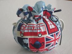 Tea Cosy to fit a 2 or 4 to 6 Cup Teapot Reversible by CosyKozees, $19.99