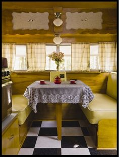 Vintage 1962 Shasta Travel Trailer - beautifully restored in RVs Campers Vintage Campers Trailers, Retro Campers, Cool Campers, Vintage Caravans, Camper Trailers, Shasta Trailer, Shasta Camper, Camper Caravan, Trailer Interior