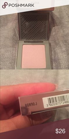 Urban Decay Afterglow Highlighter in Aura New and unswatched. Color is Aura. Urban Decay Makeup Luminizer