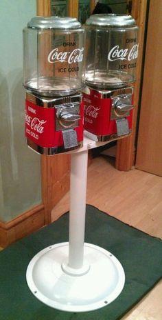 2 x coca Cola themed sweet - gumball vending machines on stand - Coca Cola Vintage, Coca Cola Ad, Always Coca Cola, World Of Coca Cola, Best Soda, Coca Cola Decor, Coke Machine, Gumball Machine, My New Room
