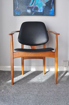 FOR SALE HERE IS A SINGLE MID CENTURY CARVER DINING CHAIR. PERFECT AS A DESK / OFFICE CHAIR AND ONE OF THE BEST CHAIR DESIGNS YOU'LL SEE! MANUFACTURED BY ELLIOTTS OF NEWBURY (EON), CIRCA 1960'S. THE CHAIR HAS SEEN A FEW REPAIRS TO THE JOINTS OVER THE YEARS BUT THE CHAIR IS SOLID IN IT'S CONSTRUCTION. | eBay!
