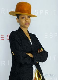 ***Try Hair Trigger Growth Elixir*** ========================= {Grow Lust Worthy Hair FASTER Naturally with Hair Trigger} ========================= Go To: www.HairTriggerr.com =========================        Erykah is Rocking that Hat Ain't She!!!