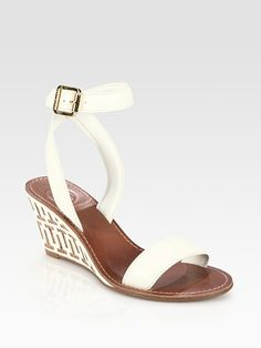 these come in brown.  i want them in brown.  ::le sigh:: tory you stylish and expensive jerk!