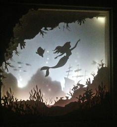 Il s'agit d'un découpage, couche pièce d'art qui est éclairé par LED s'allume. Il est livré avec les options d'une alimentation UK, alimenté par piles ou à un câble USB. Il suffit de spécifier dans les notes au vendeur que vous voulez. Vous pouvez également choisir si oui ou non 3d Paper Art, Paper Artwork, Paper Crafts, Deathly Hallows Symbol, Shadow Box Art, Cricut Craft Room, Paper Light, Wood Burning Patterns, Recycle Plastic Bottles