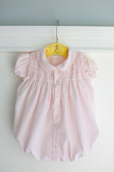 0-3 month Smocked Pink Baby Bubble Romper, Cute for Summer, Vintage by Feltman Bros, Buttoned Front, Smocking, Peter Pan Collar