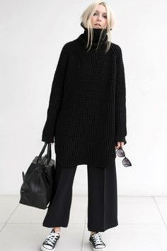 2 ways to wear a waffle knit sweater (The E .- 2 ways to wear a waffle knit sweater (The Edit), Source by gestricktemode - Fashion Mode, Look Fashion, Autumn Fashion, Tokyo Fashion, Fashion Black, Classic Womens Fashion, Classic Fashion Outfits, Fashion Dresses, Monochrome Fashion