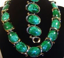 Vintage Trifari Huge Green Cabochon Necklace Bracelet Set BOLERO Book Ad $55.00