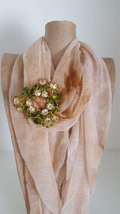 Signed Austria Vintage Flower Rhinestone Brooch - Austria Vintage Jewelry…