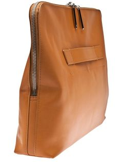 Phillip Lim - 31 minute bag 3 Iove huge over-sized clutches. And This one has a nice looking practical way of carying it. Leather Purses, Leather Handbags, Leather Bags, Leather Totes, Leather Backpacks, Brown Leather, Phillip Lim, Sac Week End, Fashion Bags