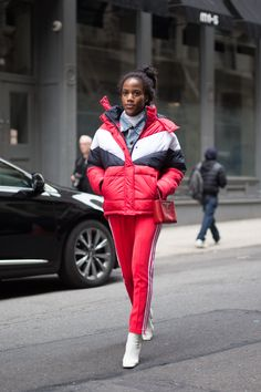 London Fashion Week: Street Style Edition   Never slipping on the style, London's fashion elite appearedfront and center for the city's Fashion Week.