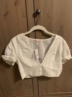 Pacsun top on Mercari White Blouse Designs, Bridal Blouse Designs, Saree Blouse Designs, Saree Wearing Styles, Sleeves Designs For Dresses, Stylish Blouse Design, Designer Blouse Patterns, Kurta Designs Women, Stylish Sarees
