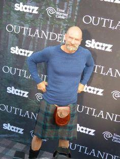 Graham McTavish at the Outlander Premiere SDCC Diana Gabaldon Outlander Series, Outlander Book Series, Outlander 3, Outlander Casting, Sam Heughan Outlander, Outlander Premiere, Tartan, Men In Kilts, Movies