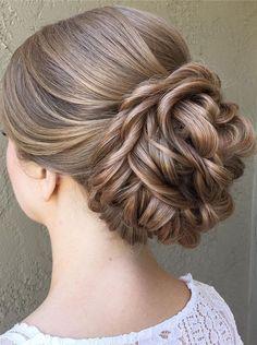Beautiful updo wedding hairstyle inspiration #updohairstyle #hairstyle #weddinghair #hairideas