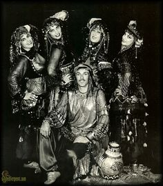 John Compton of the illustrious Hahbi'Ru is a legend and one of my favorite performers of all time!  He was the chic-est sheik always resplendent in assiut.   You will be missed.. always!    Hahbi'Ru PR photo