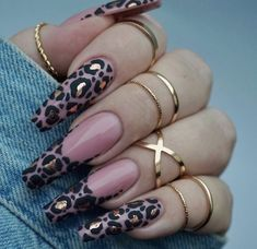 Leopard Print Nail Art Aesigns Give You Beauty Inspiration Leopard print is a pattern resembling a leopard fur pattern and is one of the most common animal print elements. Some fashion darlings use leopard print elements for nail art. Glam Nails, Dope Nails, Bling Nails, Fun Nails, Glitter Nails, Matte Nails, Cute Acrylic Nail Designs, Best Acrylic Nails, Nail Art Designs