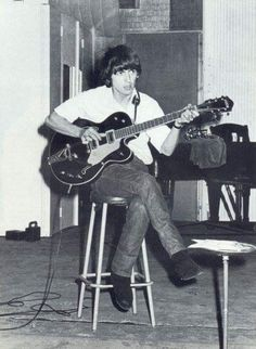 More George Pics - Volume Three - Page 50 - BeatleLinks Fab Forum Beatles Love, John Lennon Beatles, Famous Guitars, Just Good Friends, George Harrison, Olivia Harrison, The Fab Four, Gretsch, Musica