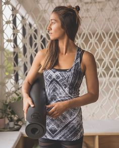 We like to mix it up when we sweat and we love a tank that can handle it all. We left the shelf bra out of the equation  with this one and used Light Luon® fabric with four-way stretch so we stay covered and comfortable. The hip length lets us focus on our back bends and burpees without tugging on our top. Hard workouts ain't got nothin' on us.