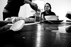 Documentaire straatfotografie lepel zwart-wit Eindhoven. Foto door Marijke Krekels fotografie